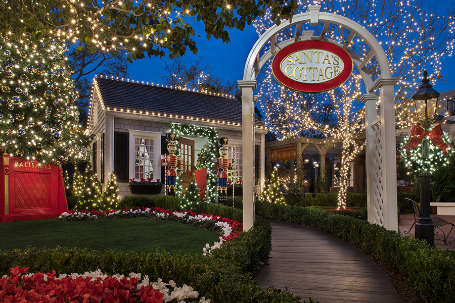 CHRISTMAS DECORATIONS FOR PACIFIC PALISADES